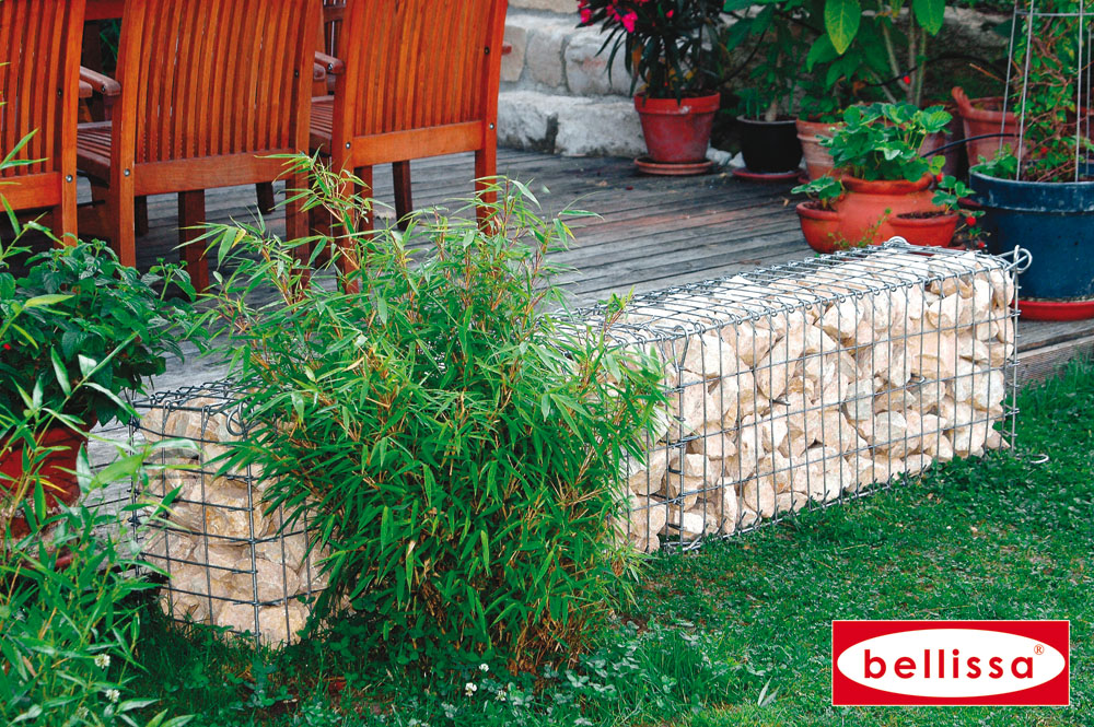 d corer son jardin avec un muret en gabion remplit de. Black Bedroom Furniture Sets. Home Design Ideas