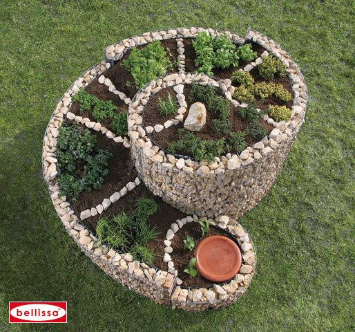 la grande spirale aromatique en gabion le potager du jardin jardini res les gabions. Black Bedroom Furniture Sets. Home Design Ideas